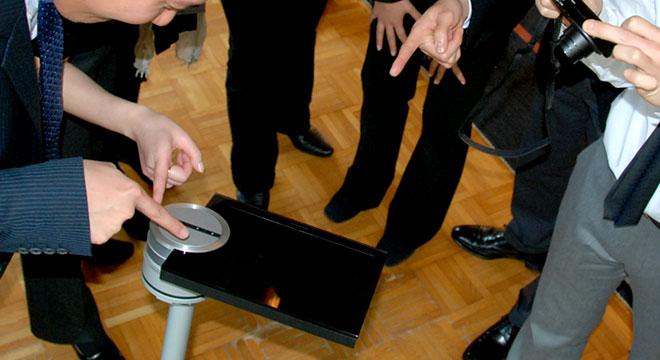画像 BeoSound 5 Danish Night  バング&オルフセン新作発表会2010